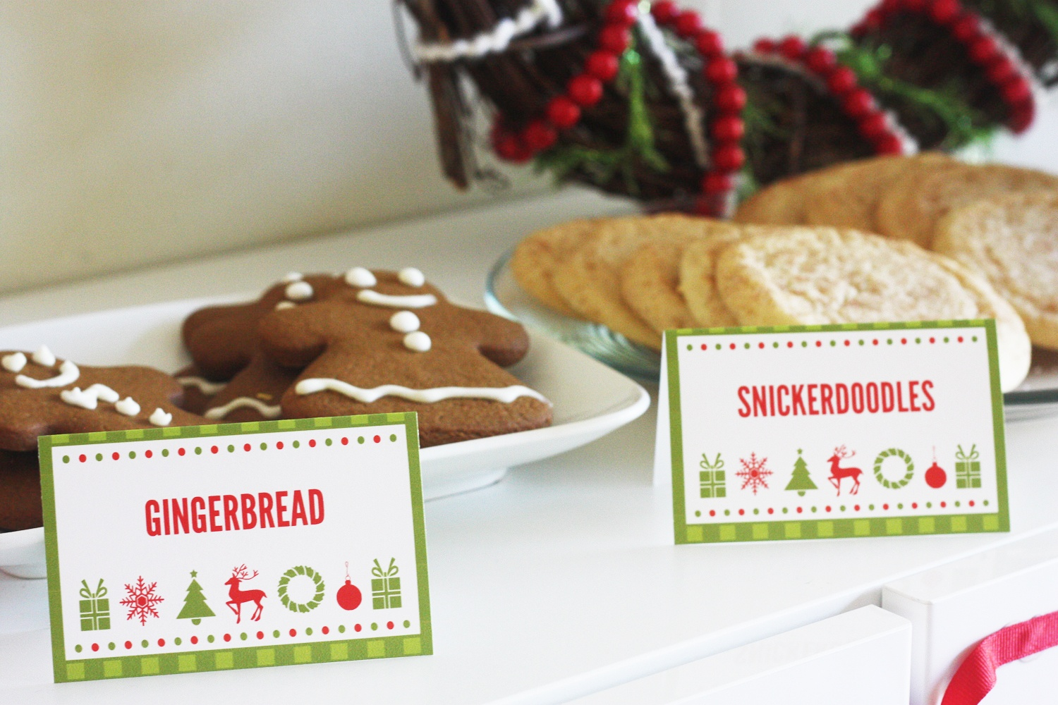 Free Cookies & Cocoa Christmas Printables   Catch My Party - Free Printable Christmas Tent Cards